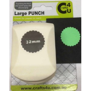 C4U Large Punch Scalloped Circle 32mm 20017